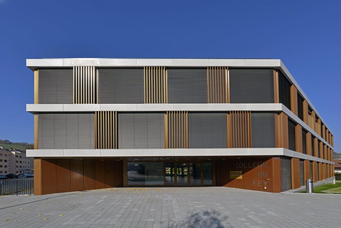 neue-fenster-eingang-schulhaus-college-du-fey-moudon